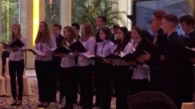 德国学生唱《沂蒙山小调》,有意境