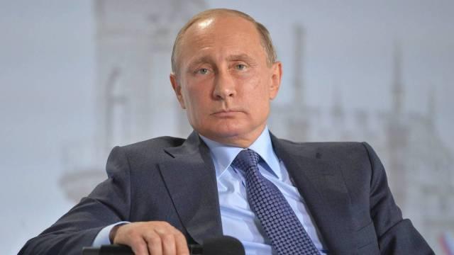 俄干预美国大选?普京:这锅不背