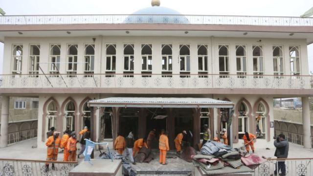 喀布尔清真寺恐袭已致27死35伤
