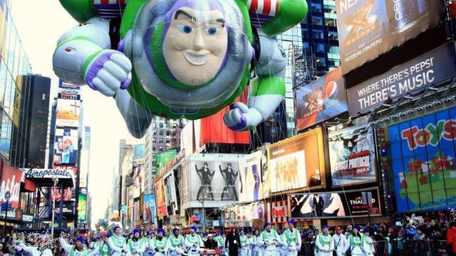 走近梅西感恩节大游行背后的男人