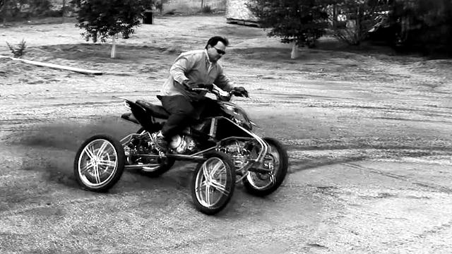 没有过不去的坎,这辆摩托有点狠