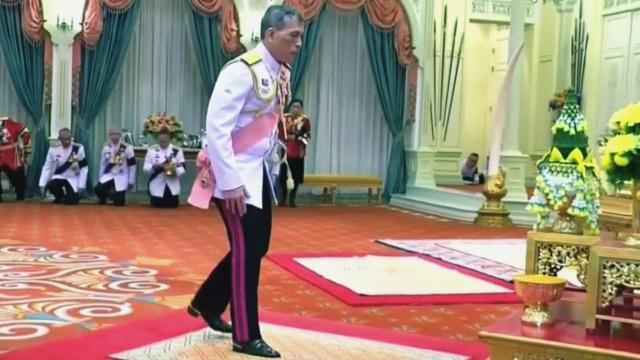 哇集拉隆功正式即位成为泰国新国王