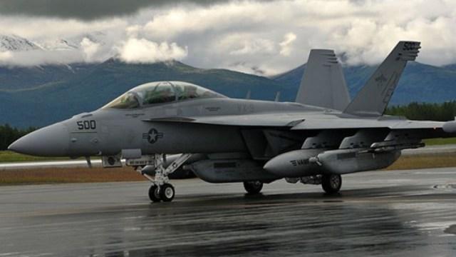 美军航母主力战机大范围停飞