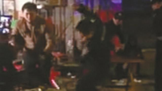 达州警察打人续:涉事警员停职调查