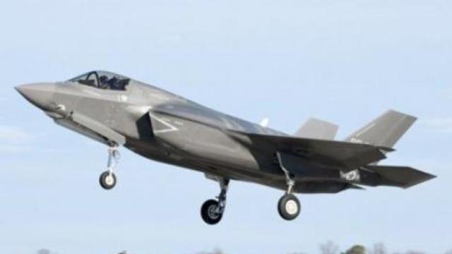 美军F-35B战机首次成建制部署海外