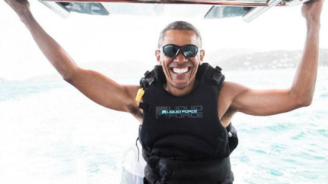 奥巴马退休去哪了?与富豪挑战冲浪