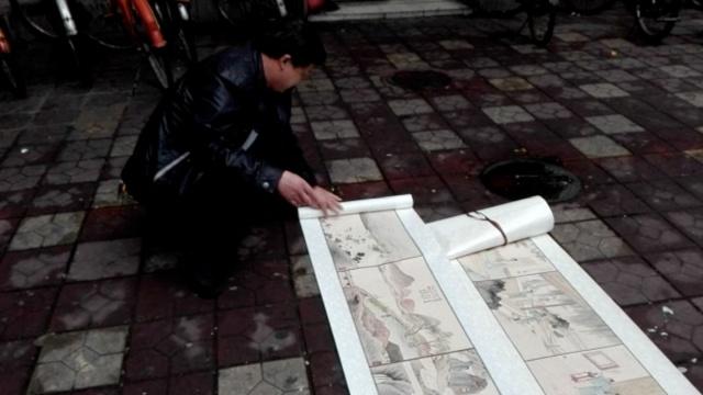 保安大爷爱国画,12米长卷仿齐白石