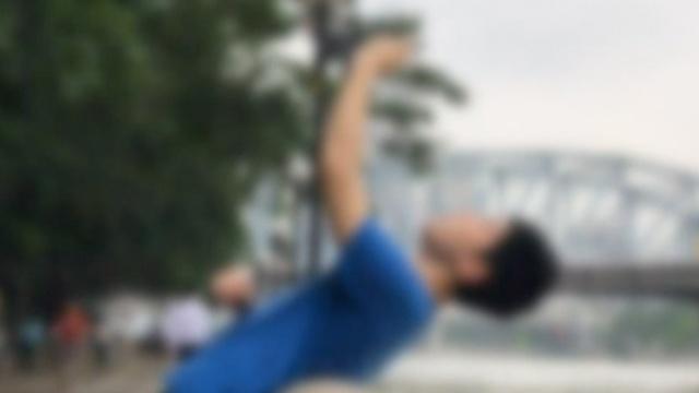 疯狂的自拍:他为pose连人带机落水