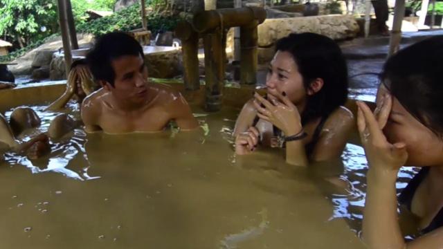 超爽越南芽庄泥巴浴,泥浆混着温泉