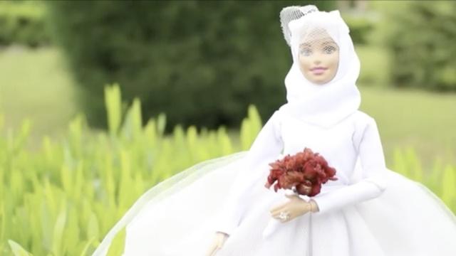 穆斯林女孩自制头巾芭比,吸粉无数