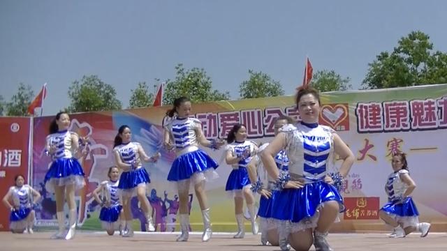 500大妈PK广场舞,
