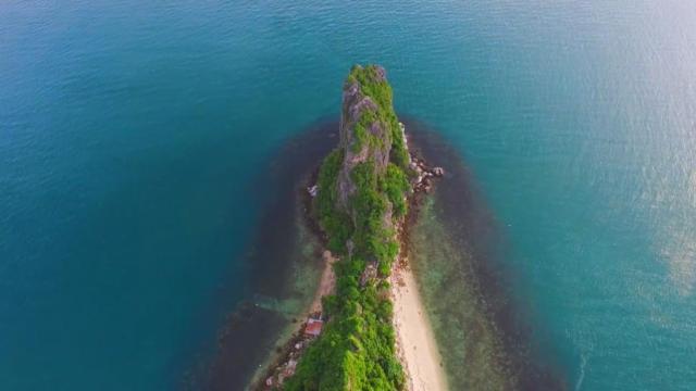 航拍苏梅岛,像极恐龙的脊背