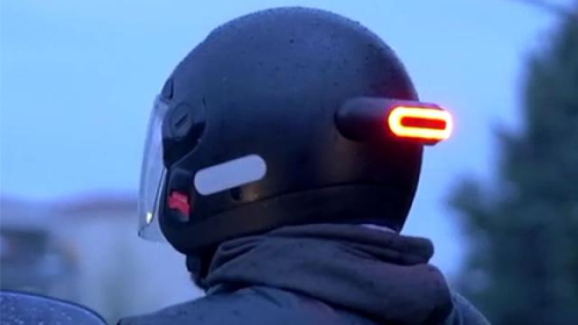 配上ta,你的任何头盔都变智能!