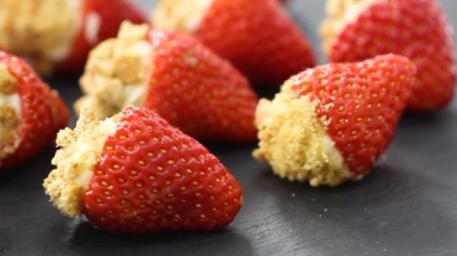 奶油夹心鲜草莓,这样吃奇妙多多