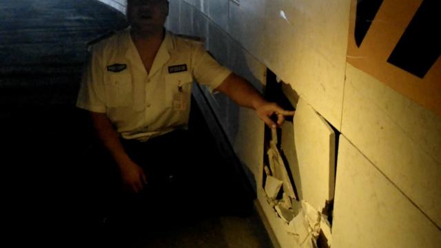 千米S形隧道停电成黑洞,多车撞墙
