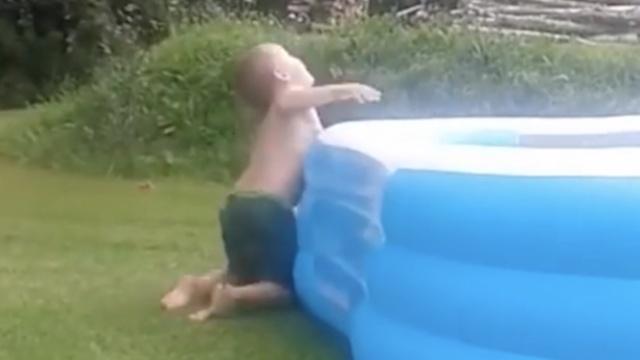 那些玩水前摔过的跤,地太滑怪我咯