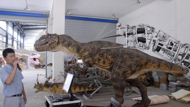 这只恐龙能听懂人话,售价超100万