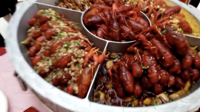 龙虾美食节,市民15分钟扫光展品