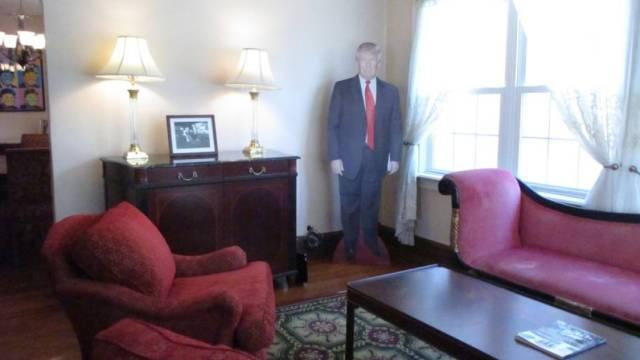 川普老家上架Airbnb,一晚725美金