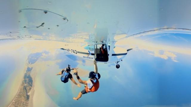 极速高空跳伞!敢不敢一起来玩