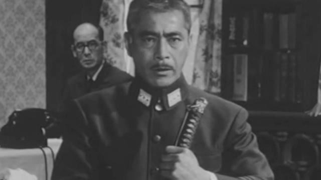 军官发动兵变妄图阻止日本天皇投降