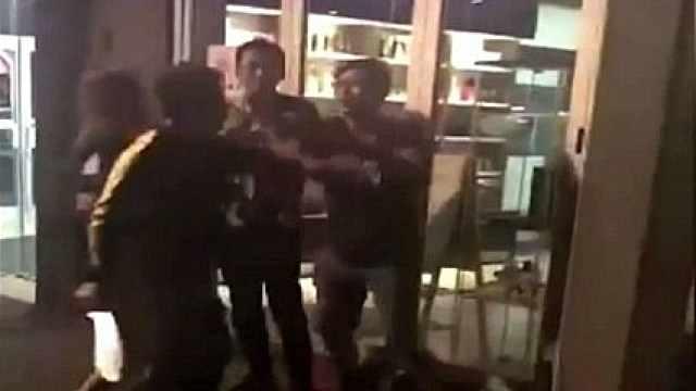 留学生砍伤情敌被捕,将被遣返