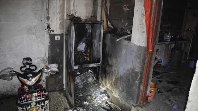 冰箱也起火!6人被困幼儿走屋顶脱险
