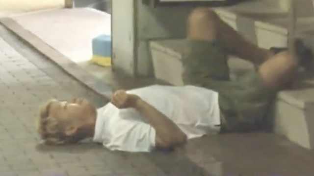 日媒探访半夜游荡在街头的深井冰们