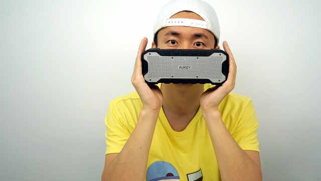AUKEY出品的一款无线蓝牙音箱