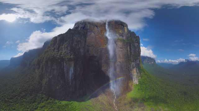 飞流直下!这条瀑布真的从云间泻落