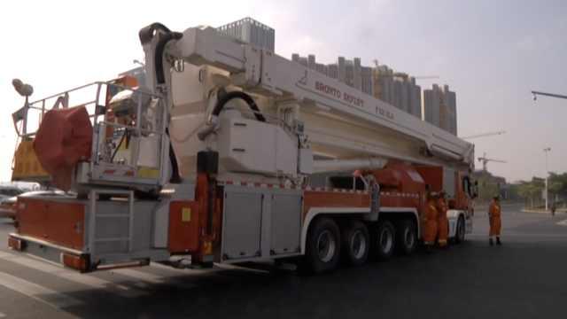 酷!2500万豪华消防车,可上30楼救人