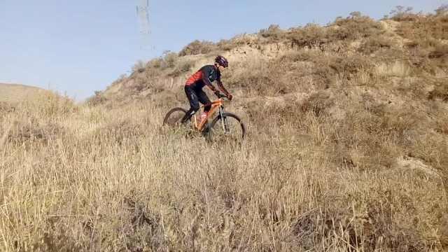 第一视角:跟着大学生山地越野骑行
