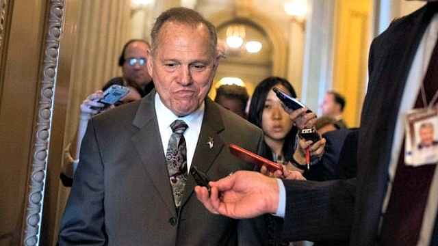 被指性侵少女,美议员:为啥现在才说