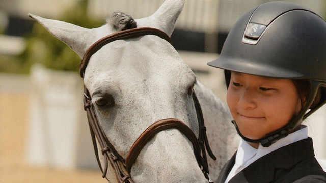 12岁华裔骑手惊艳全美,功课也全A