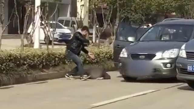 辟谣!网传持枪抢劫视频系警察抓人