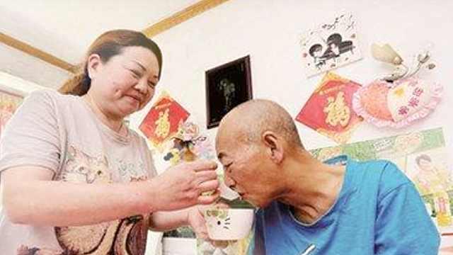 她照顾病重前夫11年,背着他去复婚