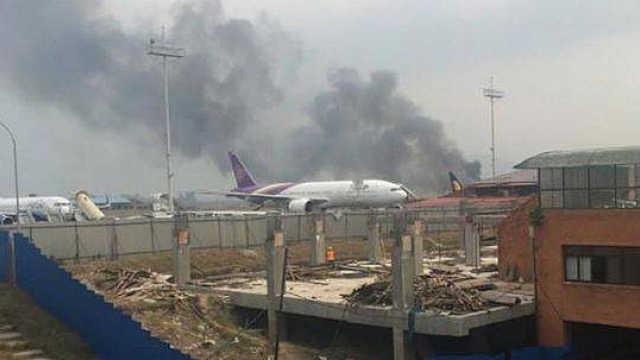 直播:客机坠毁尼泊尔,49人死亡