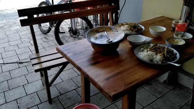 隔壁饭店着火,自家客人索赔:菜被熏