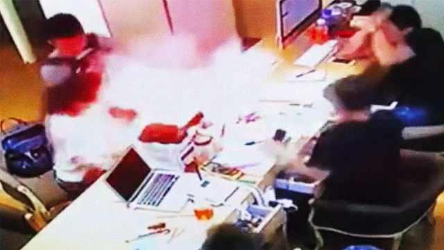 突然喷火!iPhone被曝维修时爆炸
