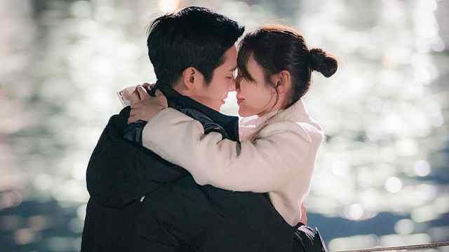 这部超火韩剧,灵感来自宋慧乔夫妇?