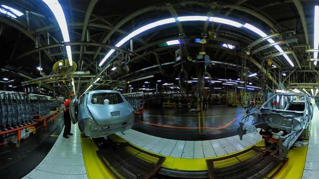 尼桑生产厂,1500个机器人参与生产