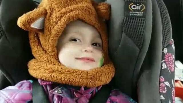 小姑娘的笑容很治愈很甜