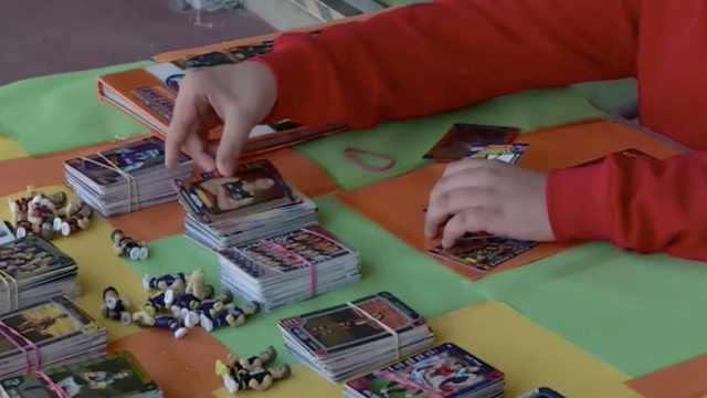 赞!11岁男孩卖球星卡,捐赠癌症研究
