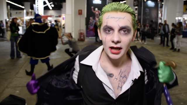 戏精西班牙小哥cos小丑,毛骨悚然