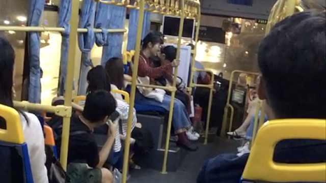 都是刘三姐!公交司机与大学生对歌