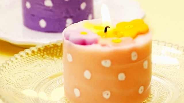 粉嫩嫩的超级可爱花形蛋糕蜡烛