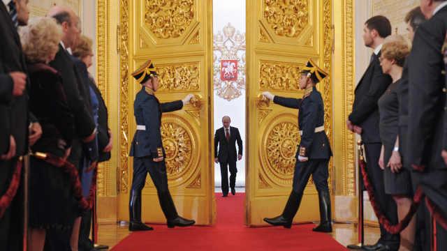 直播:连任俄罗斯总统,普京宣誓就职
