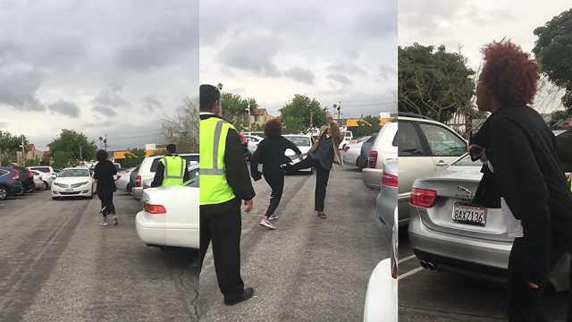 为抢停车位,老人种族言论致互殴