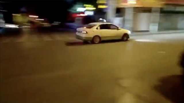出租车漂移过弯发视频炫耀,被查处