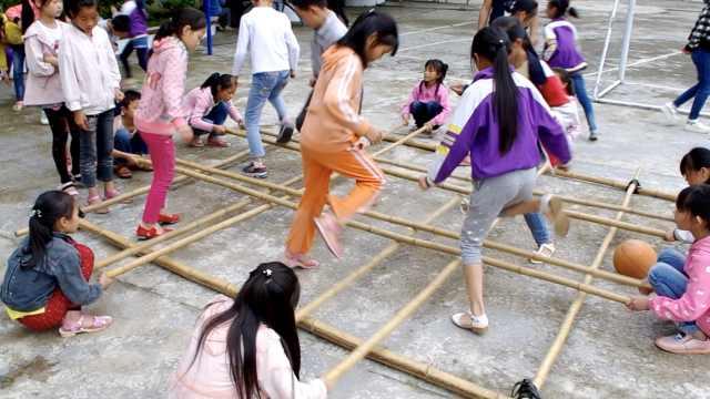 这小学与竹结缘,学生会竹编竹竿舞